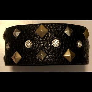 Jewelry - Edgy faux leather bracelet